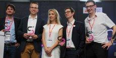 N. Pellefigue (Région), entourée des lauréats des Connec'Sud Awards de 2016