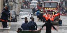 Le 1er juin 2016, les rues de Nemours (Seine-et-Marne) envahies par l'eau du Loing, l'affluent de la Seine sorti de son lit à la suite des intempéries du mois de mai 2016.