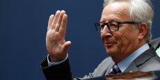 Jean-Claude Juncker lors du sommet européen du 28 juin. Quand le président de la Commission remet son sort dans les mains de dirigeants nationaux auxquels il reproche par ailleurs de faire du « Brussels bashing » systématique, le chaos institutionnel menace.
