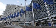 Les négociations avec le pays souhaitant quitter l'Union européenne doivent se conclure deux ans après l'activation de l'article 50 et sont soumises à un vote à la majorité qualifiée au Conseil européen.