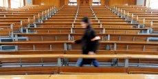 Selon le ministère, 86.969 jeunes diplômés restent sur liste d'attente, contre 117.000 précédémment. Dans le lot, 9.726 avaient pourtant placé en premier voeu une filière non sélective, pas en tension et dans leur académie.