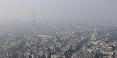 En France, les concentrations d'ozone, de dioxyde d'azote et de particules fines dans l'air dépassent régulièrement les normes de protection pour la santé humaine, souligne l'OCDE.