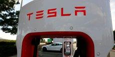 Le 3 juillet, un dimanche veille de la fête nationale américaine, Tesla a dit avoir livré 14.370 véhicules au deuxième trimestre, en-deçà de son objectif qui était à 17.000