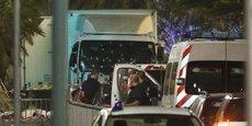 Un camion a foncé sur la foule à Nice où les habitants étaient venus assister au feu d'artifice du 14-Juillet.