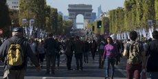 La piétonnisation des Champs-Elysées, prévue le premier dimanche de chaque mois, est annulée.