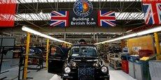 L'activité économique se contracte en juillet au Royaume-Uni. (Photo : usine de construction de taxi londoniens - black cabs - à Coventry, dans le centre du pays)