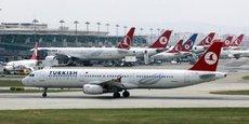 Selon le journal Sabah, les employés licenciés l'ont été à cause de leurs liens avec le mouvement de Fethullah Gülen.