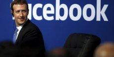 Le choix et la hiérarchisation des informations publiées sur le fil d'actualités de Facebook, qui fête ses 10 ans, entraînent de nombreuses critiques.