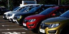 PSA et Renault voient leurs ventes de voitures neuves baisser en juillet.