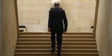 Laurent Fabius, président du Conseil Constitutionnel, monte les marches de l'institution. Les Sages ont globalement validé le contenu de la Loi Travail.