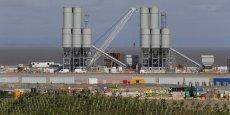 EDF annonce un premier dérapage du projet Hinkley Point C non seulement en termes de coût mais également du calendrier. Sur ce site nucléaire britannique vieillissant, situé à environ 250 km à l'ouest de Londres près de la réserve naturelle de Bridgwater, l'énergéticien français doit construire deux EPR en collaboration avec le chinois CGN (China General Nuclear Corporation) qui fourniront 4.500 MWth soit environ 7% des besoins en électricité du Royaume-Uni.