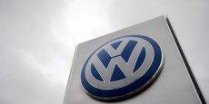 le roi d'Europe reste Volkswagen, qui détient 23,9% des immatriculations sur huit mois avec ses nombreuses enseignes (Volkswagen, Audi, Seat, Skoda, Porsche...) Mais le géant allemand, un an après le début du scandale des moteurs diesel truqués, marque le pas puisqu'il détenait 25,1% du marché sur la même période de 2015.