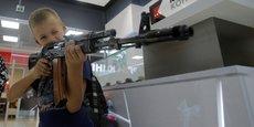 Les férus d'armes à feu seront toutefois déçus : ici, impossible de se procurer un vrai AK-47.