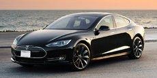 La Model S se verra dotée d'une motorisation plus puissante, marquant la distance avec les ambitions des concurrentes allemandes.