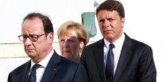 Lors d'une rencontre avec le Premier ministre italien, Matteo Renzi, et la chancelière allemande, Angela Merkel, au large de l'île de Ventotene, le 22 août (photo), François Hollande a indiqué vouloir dynamiser la coopération de la défense.