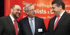 Les politiques d'austérité et la crise des réfugiés ont encore approfondi les divisions entre le S&D et le PPE. (Photo: Martin Schulz du S&D, Jean-Claude Juncker du PPE discutant avec Sigmar Gabriel, le leader du SPD allemand)