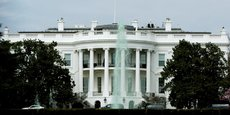 La publication d'une centaine d'e-mails d'un ex-membre de la présidence américaine remet en question les pratiques de certains fonctionnaires en matière de sécurité informatique.