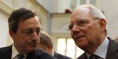 Wolfgang Schäuble accuse la politique monétaire de Mario Draghi de rogner l'épargne et les marges des banques, tout en accentuant l'excédent commercial allemand à travers la baisse de l'euro.