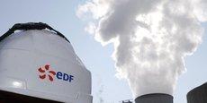 Cette signature mettra fin à un feuilleton de près d'un an pour aboutir à la fois à la décision finale d'investissement d'EDF, retardée par des oppositions internes et des inquiétudes sur la situation financière du groupe, et au feu vert britannique.
