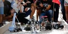 9 robots sur la ligne de départ