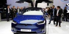 Elon Musk, au vu du triplement du chiffre d'affaires de sa marque Tesla dans l'Empire du milieu l'année dernière - il a franchi le cap du milliard de dollars soit 896 miillions d'euros - a de quoi se sentir pousser des ailes.