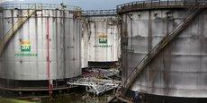Les défenseurs de la réforme affirment que Petrobras n'a pas la capacité financière d'exploiter ces ressources comme le définissait la loi précédente.