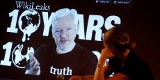 Assange a fait sa conférence de presse pour les 10 ans de Wikileaks depuis l'ambassade de l'Equateur à Londres.