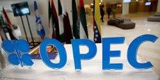 il faudra attendre la réunion du 30 novembre pour voir l'engagement effectif des membres de l'organisation. D'ores et déjà, l'Iran, la Libye et le Nigeria ont demandé à être exemptés de la mesure, ce qui mécaniquement augmente l'effort à faire pour les autre membres, principalement l'Arabie Saoudite. Un effort conséquent puisque les 14 membres de l'Opep ont produit en septembre, selon l'estimation de l'AIE, 33,6 mbj (+ 910.000 bj sur un an!), son volume le plus élevé depuis sa création.