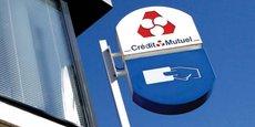 Au Crédit Mutuel-Centre Est Europe-CIC, chaque agence engrange en moyenne près de 120.000 euros de commissions en contrats d'assurance dommages selon les estimations du cabinet spécialisé Facts & Figures.
