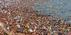 Les sept pays les plus peuplés (Chine, Inde, États-Unis, Indonésie, Brésil, Pakistan, Nigeria) totalisent 3,93milliards d'habitants, plus de la moitié du total mondial estimé à 7,54milliards.