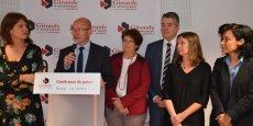 Jean-Luc Gleyze entouré par une partie de ses vice-présidentes et vice-présidents
