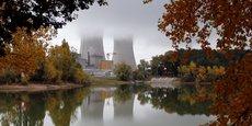 La PPE ne précise pas combien d'autres réacteurs devront être fermés d'ici 2023. Selon Greenpeace, entre 21 et 23 réacteurs devraient être arrêtés dans les sept ans pour respecter l'objectif. (Photo : la centrale de Dampierre-en-Burly, dans le Loiret)
