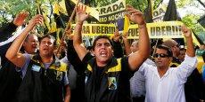 Les syndicats de chauffeurs de taxi ont déjà annoncé qu'ils comptaient se pourvoir en cassation. (ici manifestation du 20 avril 2016, à Buenos Aires des chauffeurs de taxis contre Uber)