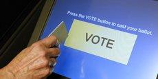Les machines de vote utilisées par la plupart des Etats américains pour l'élection présidentielle peuvent être truquées grâce à une simple carte mémoire.