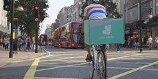 Certains bikers, le nom donné par Deliveroo à ses livreurs, ont déjà crié dans la rue leur mécontentement à Bordeaux et à Lyon la semaine dernière, et s'apprêtent à battre le pavé à Paris, vendredi 11 août, place de la République, ainsi qu'à Lyon.