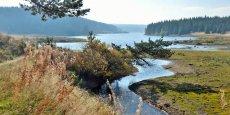 Avec 7 000 km d'itinéraires balisés et 500 sites de pratiques, la nature est l'atout numéro 1 de la Lozère. Ici : le lac de Charpal