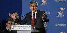 Grâce aux reports de voix des sarkozystes, François Fillon l'emporterait largement dimanche. au second tour de la primaire de droite.