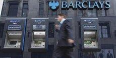 Les clients britanniques de Barclays possesseurs d'un smartphone Androïd récent n'auront bientôt plus besoin de carte bancaire pour retirer de l'argent.