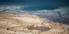 Depuis les années 1960, le niveau de la mer Morte ne cesse de baisser.