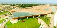 Le tout nouveau Centre international des conférences d'Alger accueille le Forum africain d'investissements et d'affaires, du 3 au 5 décembre 2016.