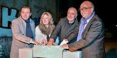 Jean-Philippe Ballanger, Corinne Guillemot, Philippe Dorthe et Yves Médina posent la première pierre de la distillerie Moon Harbour.