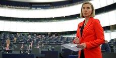 Federica Mogherini, chef de la diplomatie de l'UE, avait annoncé fin septembre qu'elle allait soumettre aux 28 sa proposition d'abroger la Position commune de 1996, un texte considéré comme le point culminant des dissensions entre Bruxelles et La Havane.