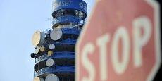 Fininvest, actionnaire majoritaire de Mediaset, s'attaque à l'entrée au capital du groupe de Vincent Bolloré, qu'elle juge hostile.