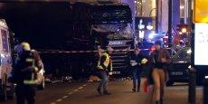 Selon les premières informations, le camion est immatriculé en Pologne.