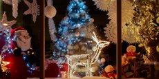 La société Christmas Cie est spécialisée dans la conception et la réalisation de vitrines de magasins.