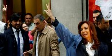 Cristina Kirchner a dénoncé une formidable manœuvre de persécution politique, à sa sortie du tribunal.