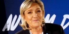 Pour Marine Le Pen (FN): il y a un tassement de la campagne Fillon, il est embourbé dans un programme extrêmement brutal pour les Français