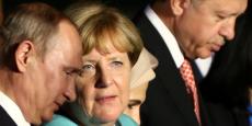 Le deal passé par les Européens avec la Turquie d'Erdogan montre qu'une nouvelle diplomatie européenne est en train de s'inventer. Et avec Donald Trump qui veut se désinvestir de l'Otan, l'Europe va devoir sortir du cocon rassurant de la Guerre froide. (Photo: Angela Merkel, entre Vladimir Poutine et Tayyip Erdogan, lors du G20 de Hangzhou, en Chine, le 4 septembre 2016)