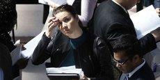 Les jeunes espèrent encore décrocher un CDI, sans y croire vraiment.