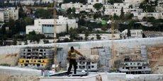 Le ministère israélien de la Défense a annoncé mardi avoir donné son feu vert à la construction de 2.500 nouveaux logements dans les colonies de peuplement juives en Cisjordanie occupée.